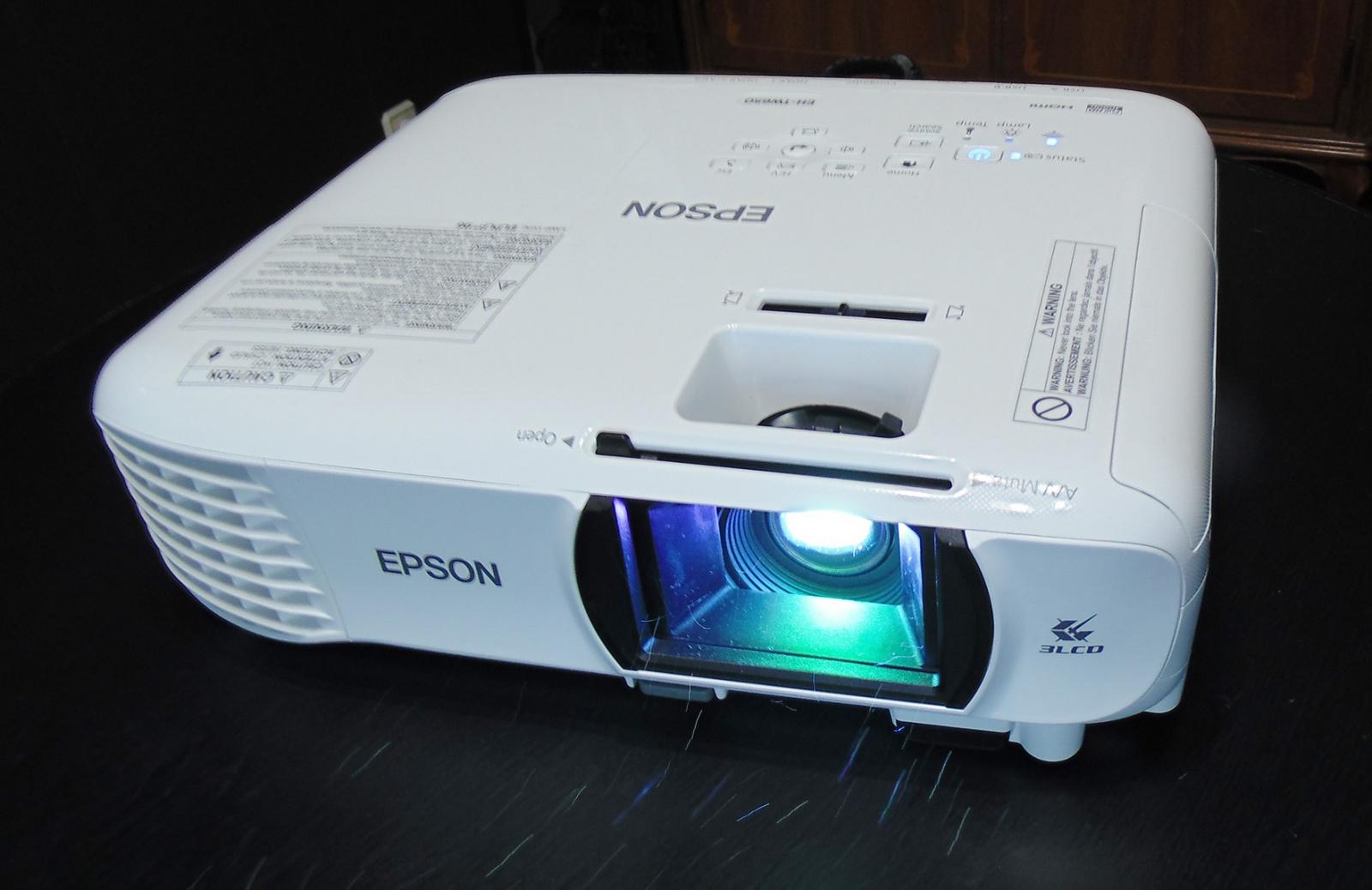 Обзор проектора Epson EH-TW740